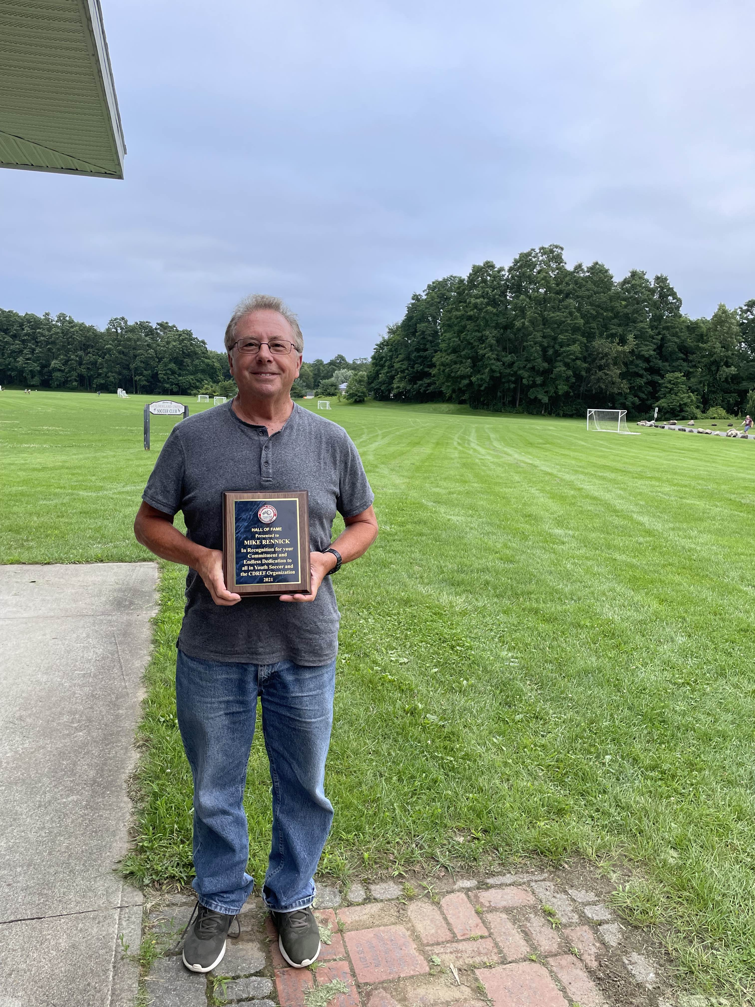 Mike Rennick receives the CDRef Hall of Fame award.